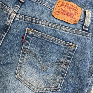 "Levi's for Women, Size 6 S, W31"", Inseam 30"", soft"